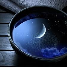 Moon reflection in bowl